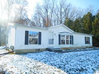 3 Bed 2 Bath Foreclosure Property in Lansing, MI 48911 - W Winsford St
