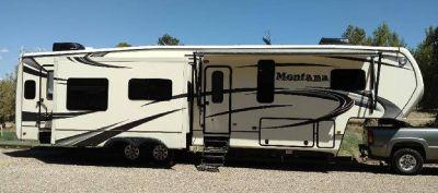 By Owner!  2014 39 ft. Keystone Montana Paramount 3735MK w/4 slides