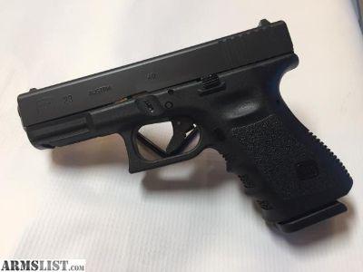 For Sale: GLOCK 23 Gen3 .40 S&W Pistol, 2 Magazines, 13+1 Rounds