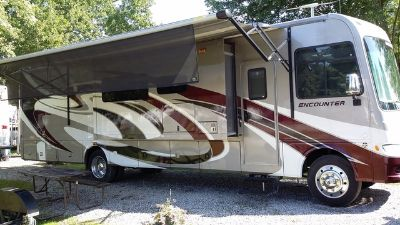 2015 Coachmen Encounter 37SA V10