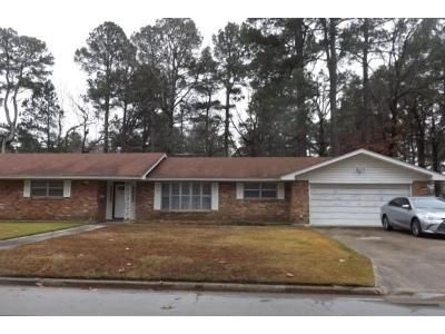 2 Bath Preforeclosure Property in Pine Bluff, AR 71603 - Sherwood Frst