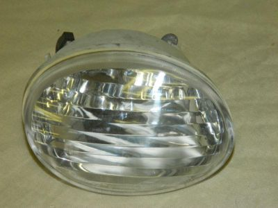 Sell OEM 1996-1999 FORD TAURUS RIGHT/ PASSENGER SIDE FOG LIGHT ASSEMBLY F8DB-13B220-A motorcycle in Rockford, Michigan, US, for US $15.00
