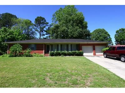 3 Bed 1 Bath Preforeclosure Property in Decatur, AL 35601 - Azalea Cir SW