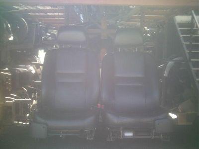 Buy 06 MONTE CARLO FRONT SEATS (PAIR) BLACK motorcycle in San Bernardino, California, US, for US $250.00