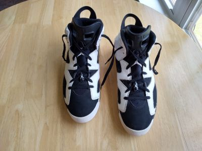 Men's Air Jordan retro 6 Oreo number 384664-101 from 2009 Size 13 In very good condition