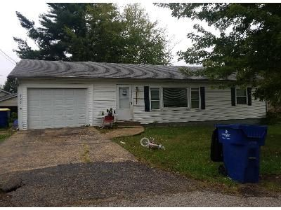 2 Bed 1.0 Bath Preforeclosure Property in Saint Clair, MO 63077 - Grandview Ave