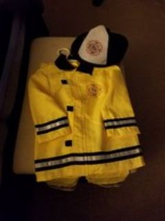 Firefighter costume - size 4T/5T