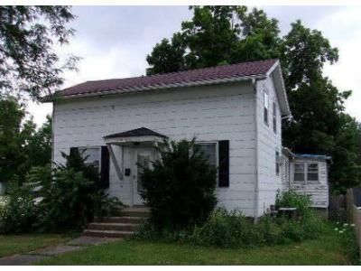 2 Bed 1 Bath Foreclosure Property in Angola, IN 46703 - E Maumee St