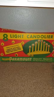 Vintage Paramount 8 light candolier with bulbs