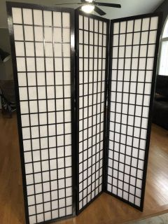 Privacy screens. LIKE NEW. $40 each or both for $75