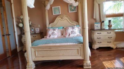 Elegant 3pc queen bedroom set