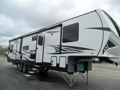 2019 Highlander RV 327G