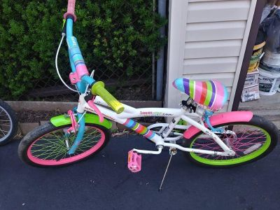 20 inch Girls Little Miss Match Rainbow Bike with Instruction Manual
