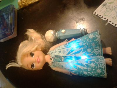Singing Elsa doll with sing along microphone