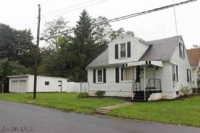 1401 Park Blvd Altoona, Move in ready Three BR Two BA home