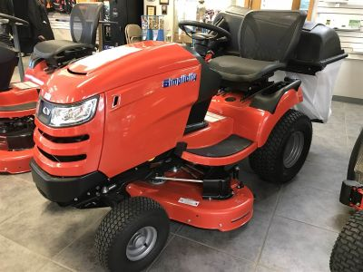 2017 Simplicity Braodmoor Tractors Lawn Mowers Fond Du Lac, WI