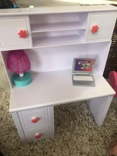 New berry Doll, doll s desk and outfit