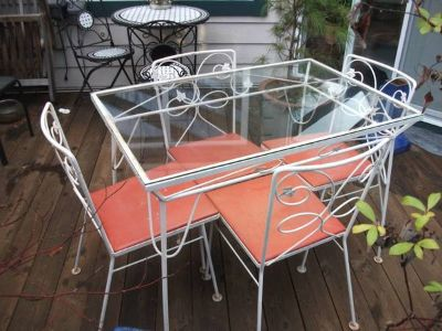 Vintage retro out or indoor table and chairs