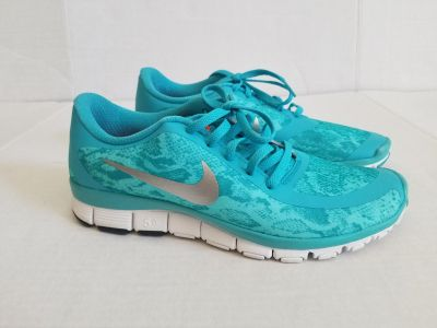 NIKE Free 5.0 V4 Turquoise/Silver Running Shoes Women's 8.5 worn once