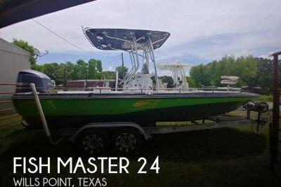 2003 Fish Master 2300BB