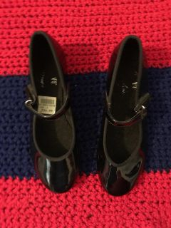 ABT Spotlights Tap shoes. They do have lint in them but I can t seem to get it all out. Also couple of scratches. Size 1. PRICE $4.50 OBO