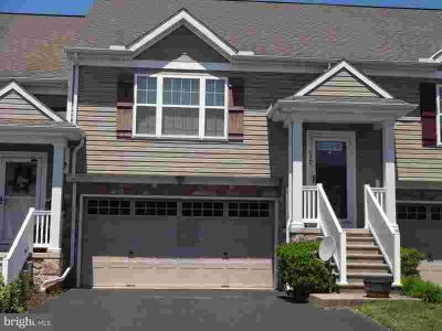 517 Fox Ridge Ln LEBANON, This lovely townhome has two