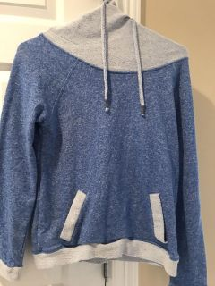 Hooded sweatshirt size small. Blue and gray. Ppu $3