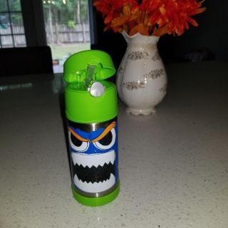 Kid's thermos for hot or cold drink