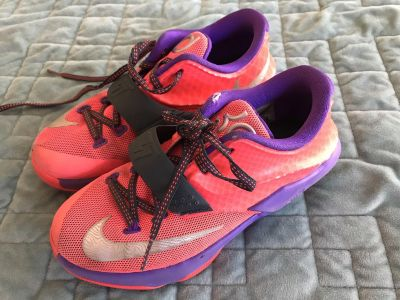 Youth KD Nike s size 3.5