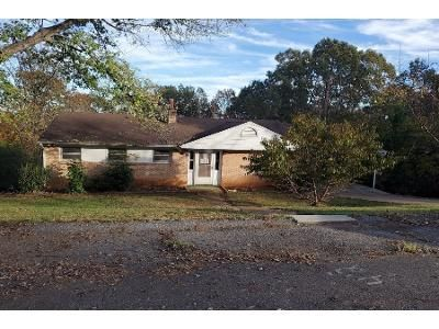 3 Bed 2 Bath Foreclosure Property in Altavista, VA 24517 - Melinda Dr