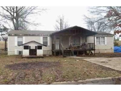 3 Bed 2 Bath Foreclosure Property in Hooks, TX 75561 - Hobbs Ln