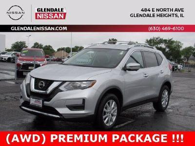 2018 Nissan Rogue SV (Brilliant Silver)