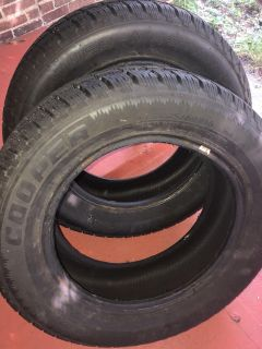 Cooper Weathermaster Snow Tires *LIKE NEW* (225-60R16)