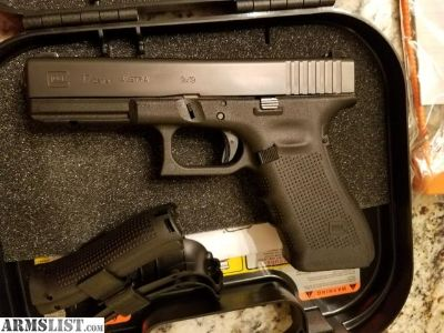 For Sale: G4 Glock 17 Like new, with case & accessories