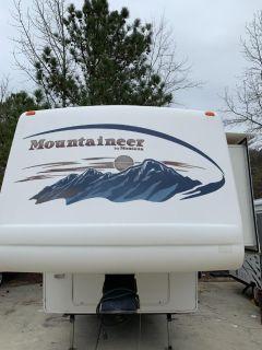 2006 Montana 297rks Fifth Wheel ()