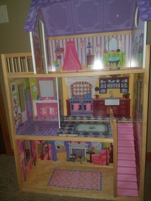 4.5 foot tall doll house