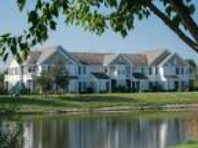 Farmington Lakes Apartments - Hawthorn