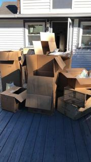 Free moving boxes and paper/plastic packaging