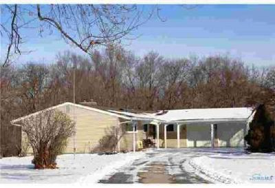 1562 Park Ridge Lane Toledo Three BR, Vacation retreat in the