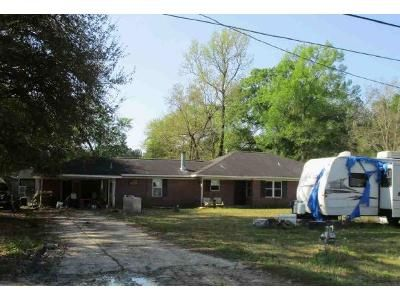 3 Bed 2 Bath Foreclosure Property in Beaumont, TX 77713 - Blackgum St
