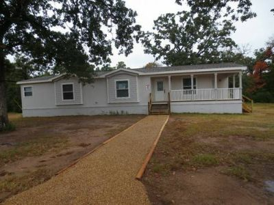 2,000 sq. ft. home on 4 acres. LandHome Foreclosure (Franklin, TX)
