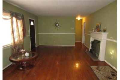 4 bedrooms House - 3BR/2BA Rancher style SFH with hardwood floors. Washer/Dryer Hookups!