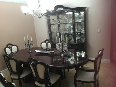 Set dining table and cabinet