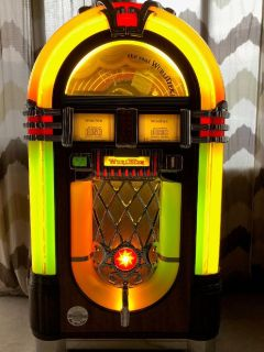 Wurlitzer Jukebox - 1015 Model (50 CD's)