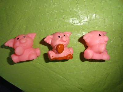 LOT OF 3 ''LITTLE PEOPLE'' PIGS