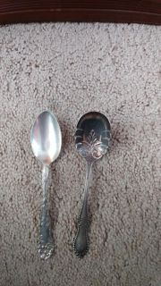 Vintage Niagra Falls Silver Co. 1877 2 Spoons in Great Condition