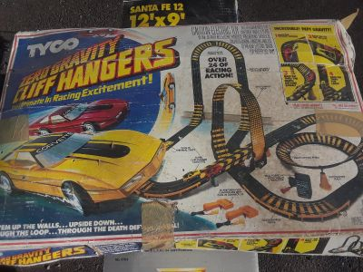 vintage Ty Co zero gravity Cliffhanger excitement race track and cars