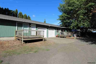 509-511 S 17th St Philomath Four BR, This side-by-side single