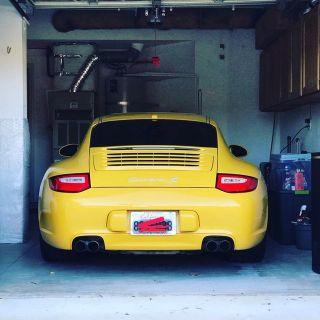 2009 Porsche 997.2 Seed Yellow Fully Loaded Factory Carbon Fiber Sport Bucket Seats