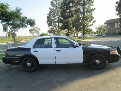 2010 Ford Crown Victoria Police Interceptor (Black/White)